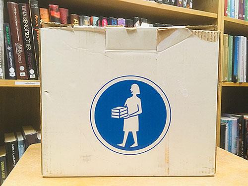 Boken kommer-låda